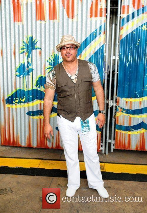 Howard Hewett 3