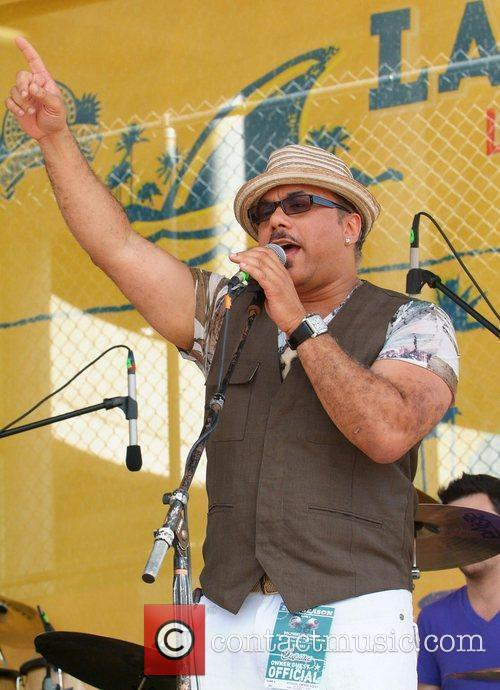 Howard Hewett 4