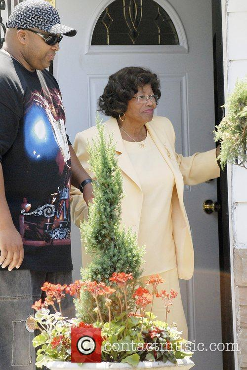 Katherine Jackson, Michael Jackson and Randy Jackson 11