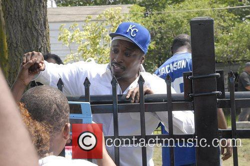 Eddie Griffin Gary hosts memorial and official unveiling...