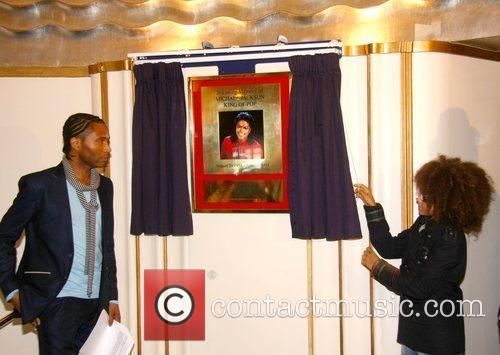 Adrian Grant, Perri Kiely The unveiling of a...