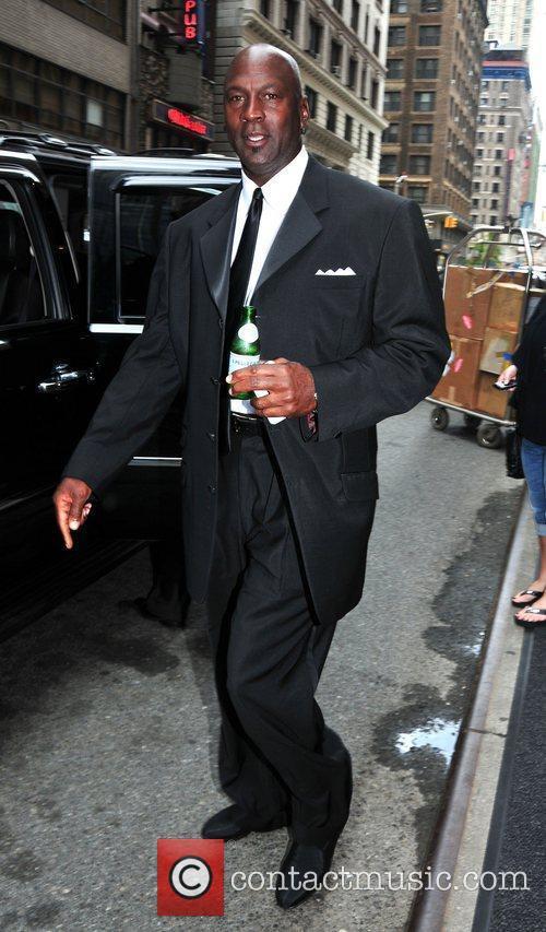 Departs his Midtown Manhattan hotel