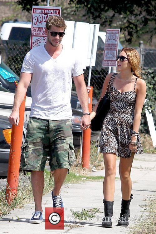 Liam Hemsworth and Miley Cyrus 18