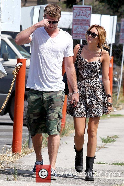 Liam Hemsworth and Miley Cyrus 23