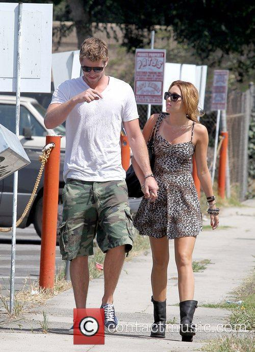 Liam Hemsworth and Miley Cyrus 17