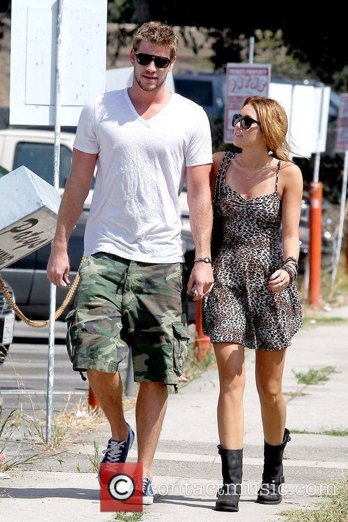 Liam Hemsworth and Miley Cyrus 14
