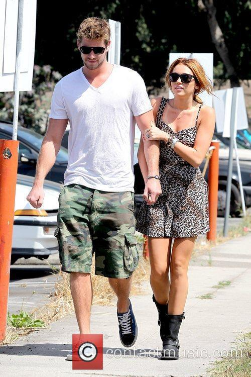 Liam Hemsworth and Miley Cyrus 12