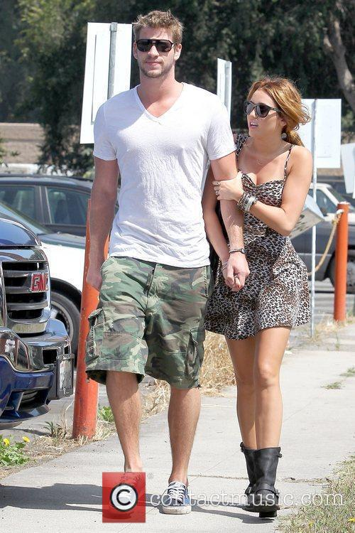 Liam Hemsworth and Miley Cyrus 8
