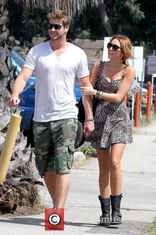 Liam Hemsworth and Miley Cyrus 22