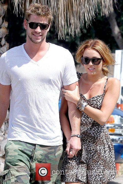 Liam Hemsworth and Miley Cyrus 16