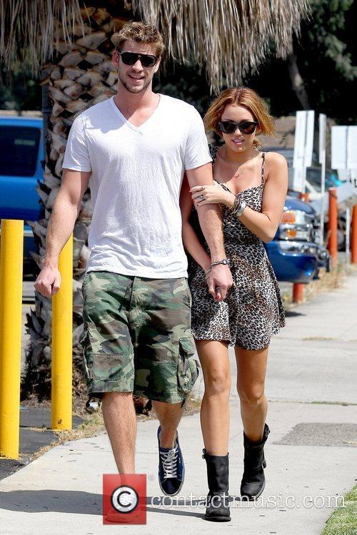 Liam Hemsworth and Miley Cyrus 20