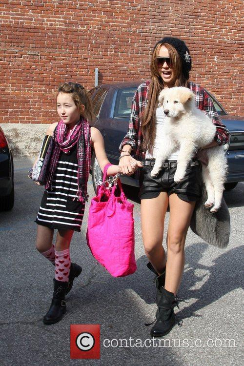 Miley Cyrus and Her Sister Noah Cyrus 2