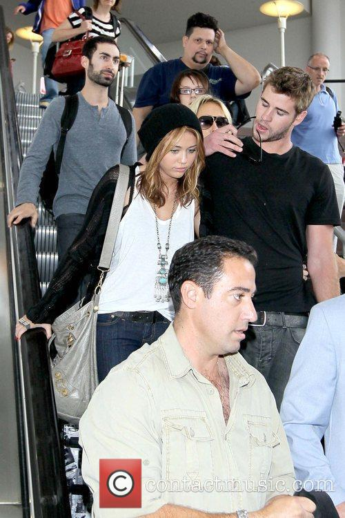 Miley Cyrus and Liam Hemsworth 11