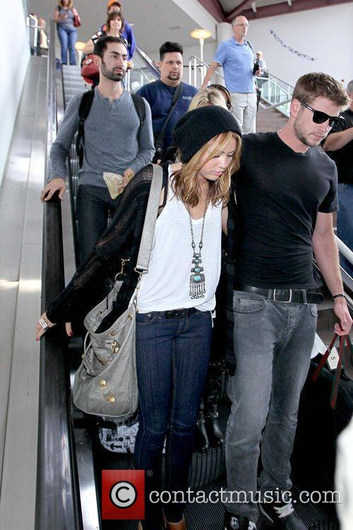 Miley Cyrus and Liam Hemsworth 2