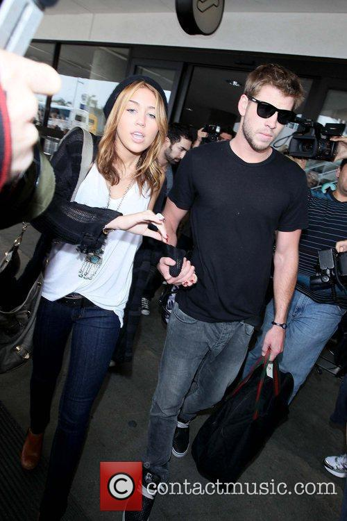 Miley Cyrus and Liam Hemsworth 9