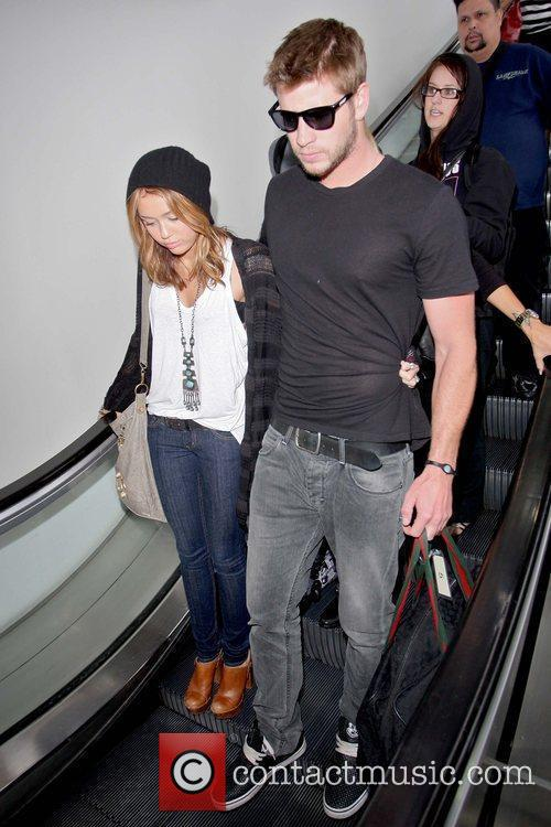 Miley Cyrus and Liam Hemsworth 14
