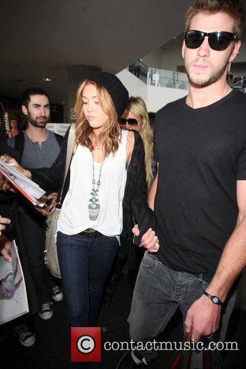 Miley Cyrus and Liam Hemsworth 34