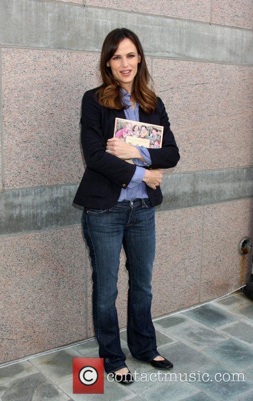 Jennifer Garner Milk and Bookies first annual story...