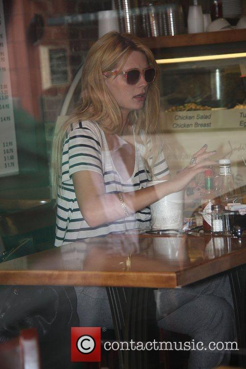 Mischa Barton having lunch on Bedford Drive Los...