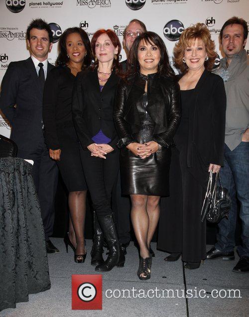 Marilu Henner, Joy Behar, Las Vegas, Marc Cherry and Mark Wills