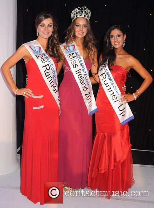 Laura Scanlon, Miss Ireland 2010 Emma Waldron and...