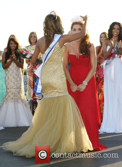 Miss Malibu 2010 Bianca Peters and Miss Malibu...