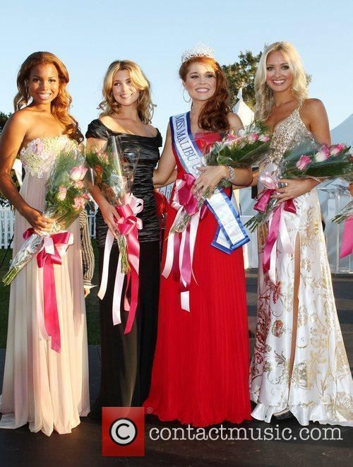 Miss Malibu 2011 Erin White and Pageant Contestants...