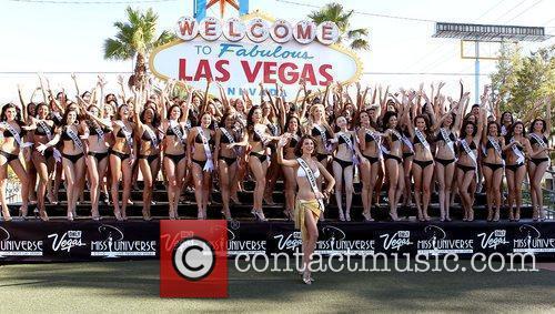 Stefania Fernandez, Miss Universe 2009 and 2010 Contestants...