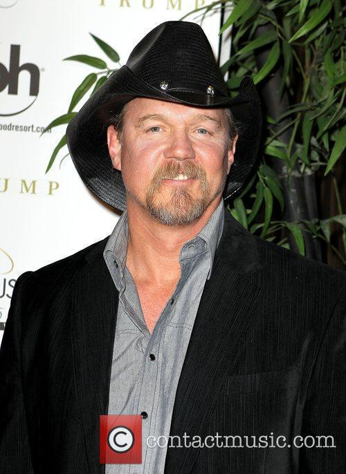 Trace Adkins arrives at the Miss USA 2010...
