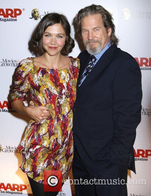 Maggie Gyllenhaal and Jeff Bridges 5