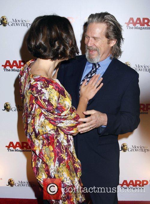 Maggie Gyllenhaal and Jeff Bridges 4