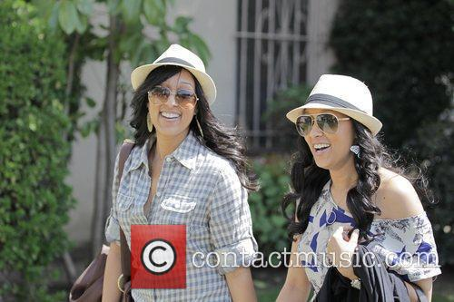 Tia Mowry and Tamera Mowry 8