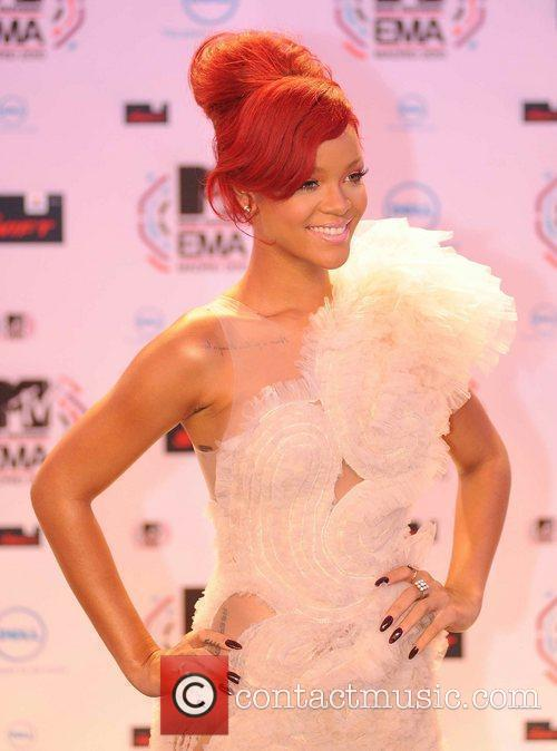 Rihanna and MTV 4