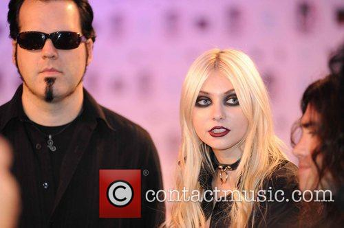 Taylor Momsen, Mtv and The Pretty Reckless 6