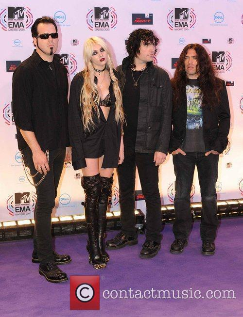 Taylor Momsen, Mtv and The Pretty Reckless 7