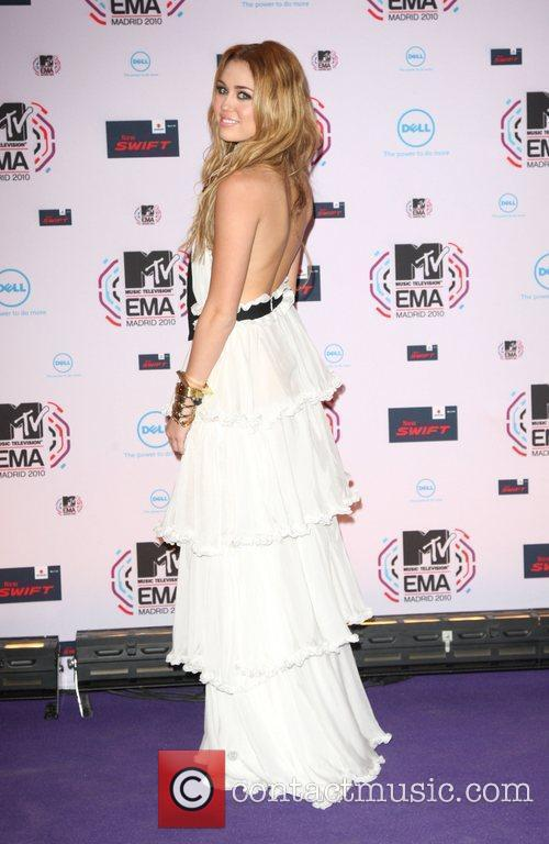 Miley Cyrus, MTV, MTV European Music Awards