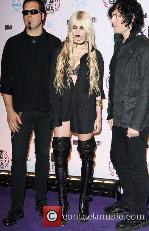 Taylor Momsen and Pretty Reckless  MTV Europe...