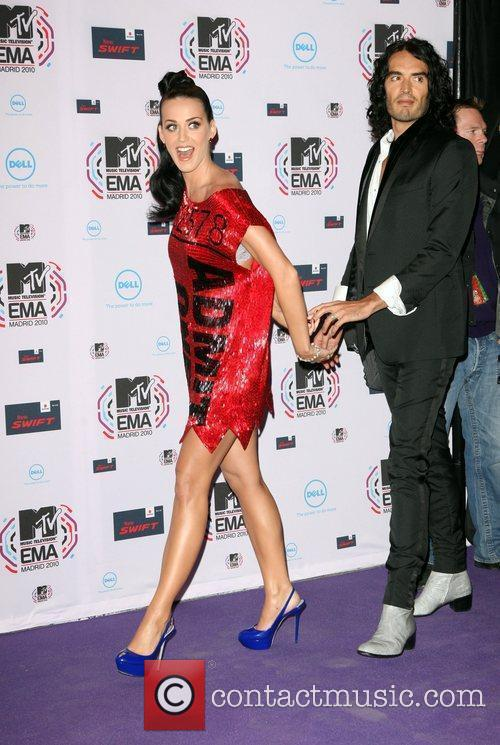Katy Perry, Mtv, Russell Brand and Mtv european music awards 4