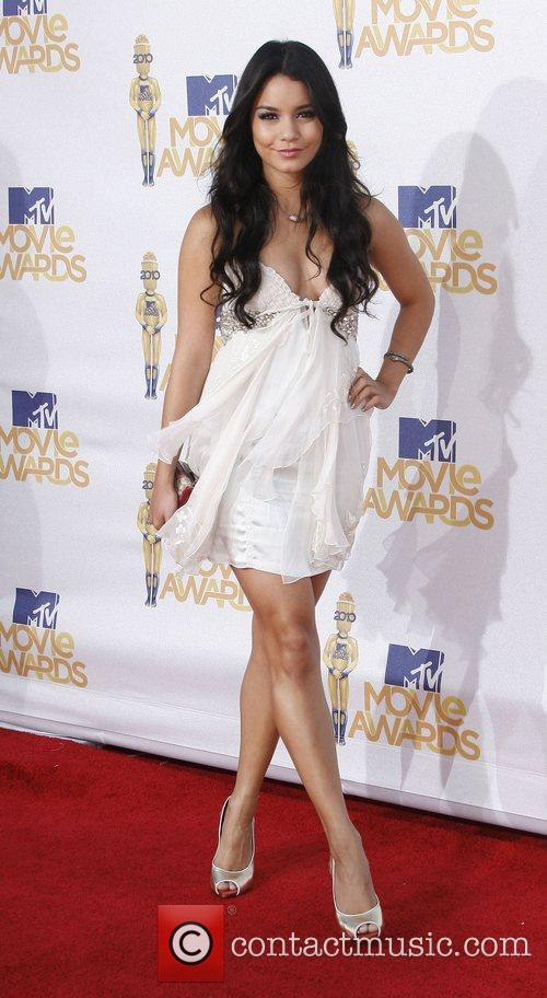 Vanessa Hudgens and Mtv 6