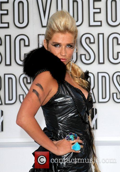 Kesha and Mtv 5