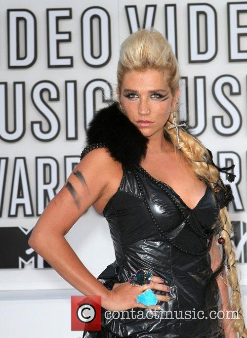 Kesha and Mtv 9