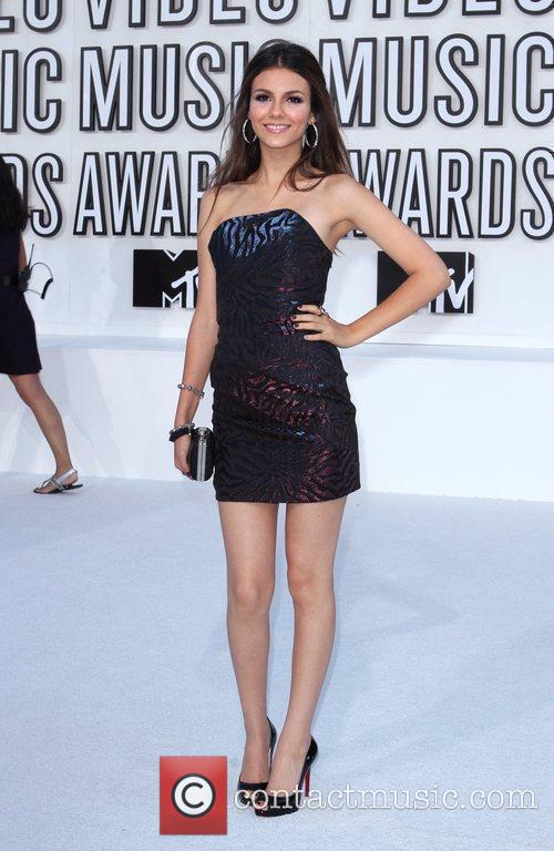 Victoria Justice and MTV 5