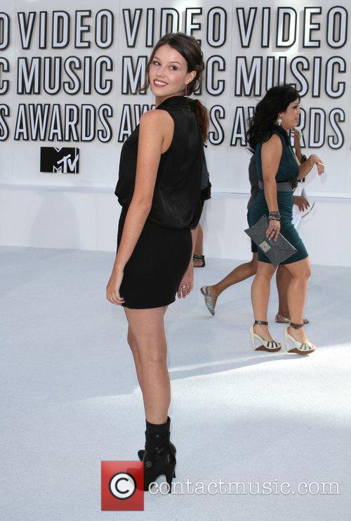 Victoria Justice and MTV 6