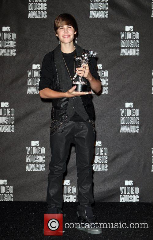 Justin Bieber and MTV 15