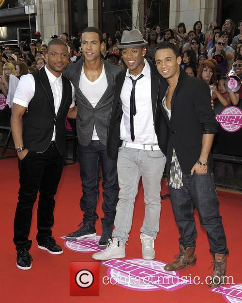 Aston Merrygold and Jls 7