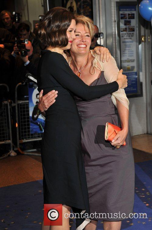 Maggie Gyllenhaal and Emma Thompson 4