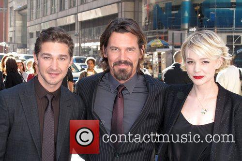 Shia Labeouf, Carey Mulligan, Josh Brolin and Wall Street 7