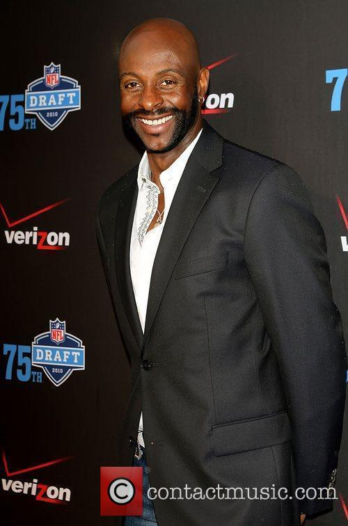 Jerry Rice The NFL and Verizon 2010 NFL...