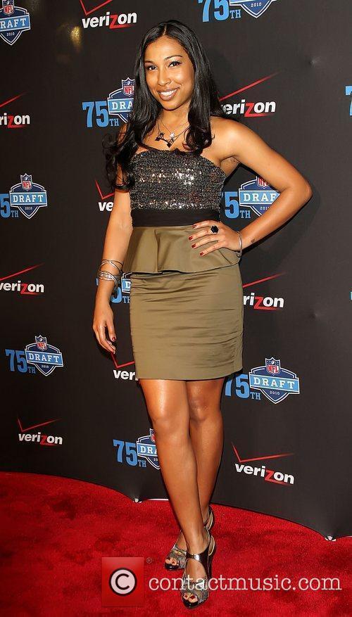 Melanie Fiona The NFL and Verizon 2010 NFL...