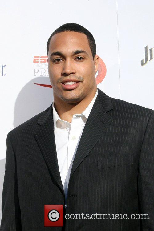 Travis Beckum Of The New York Giants 9
